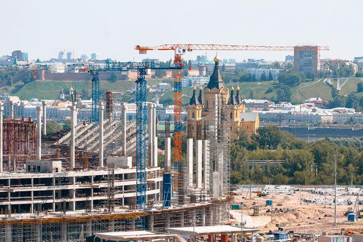1-ый элемент металлоконструкций крыши смонтирован наарене вНижнем Новгороде