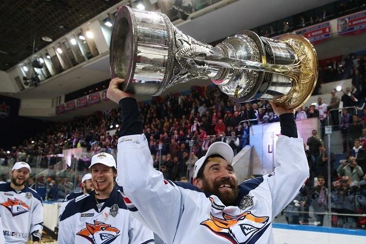 18августа вТатарстане стартует производство хоккейных клюшек