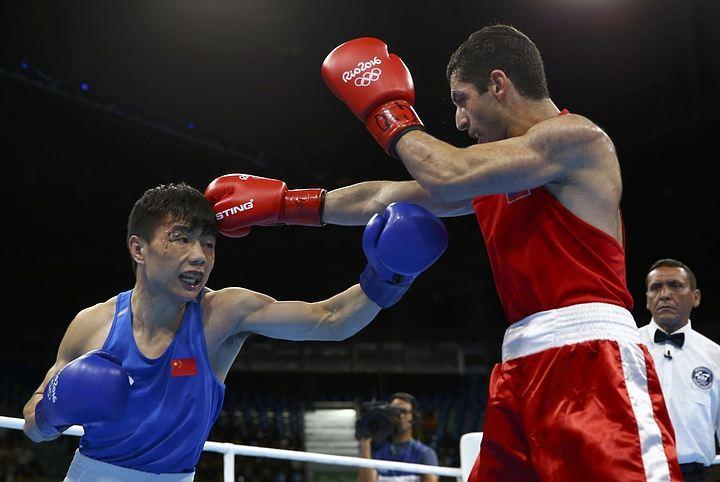 Боксер Михаил Алоян гарантировал Российской Федерации медаль наОлимпиаде вРио
