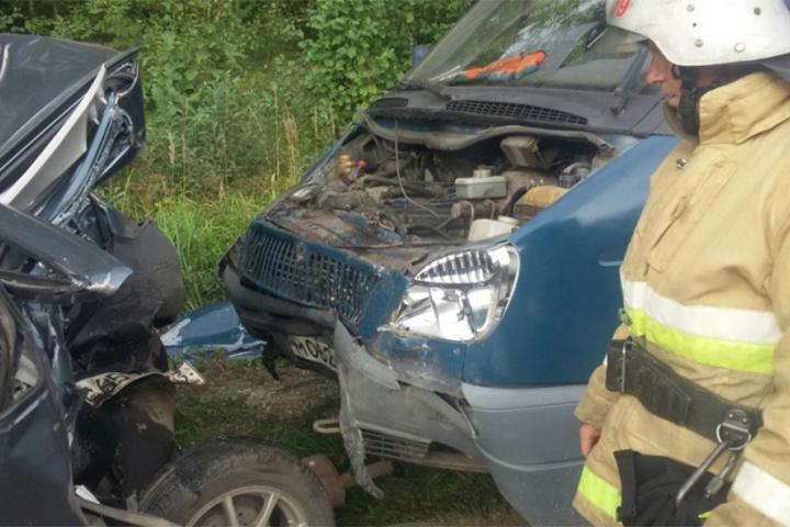 «Газель» столкнулась савтомобилем «Лада Гранта», пострадал человек