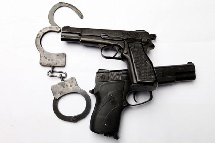 ВСтаврополе преступники ювелирного магазина ранили полицейского
