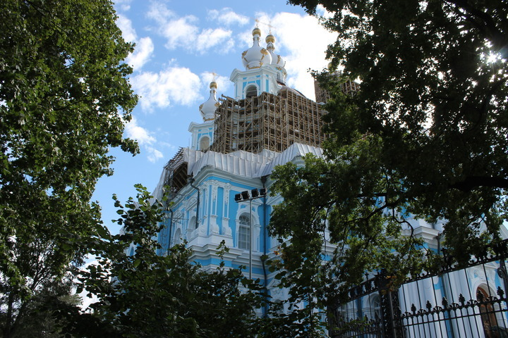 ВПетербурге заканчивается реставрация Смольного храма
