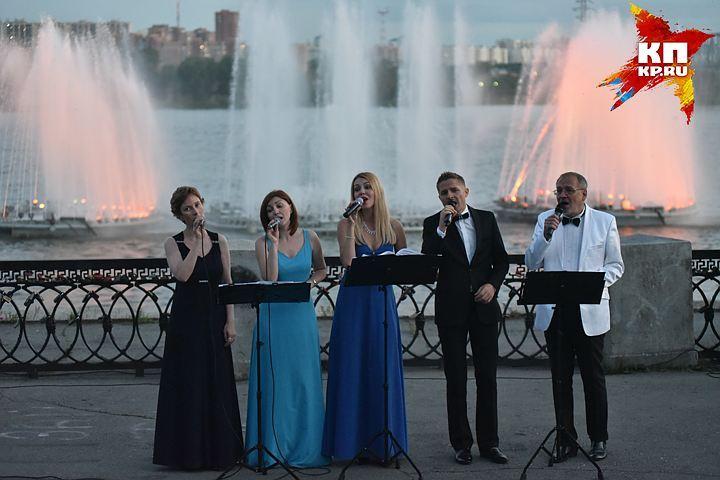 Солисты новосибирского оперного театра выступят назакрытии фонтанов