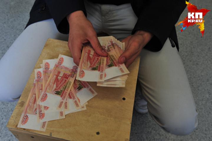 Жителя Суража заторговлю левым спиртом оштрафовали на 300 000 руб.