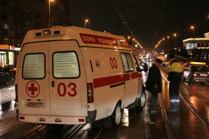 Шофёр иномарки умер при столкновении савтобусом