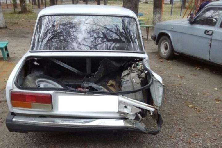 Автоледи, врезавшись вдерево, убежала сместа ДТП наСтаврополье