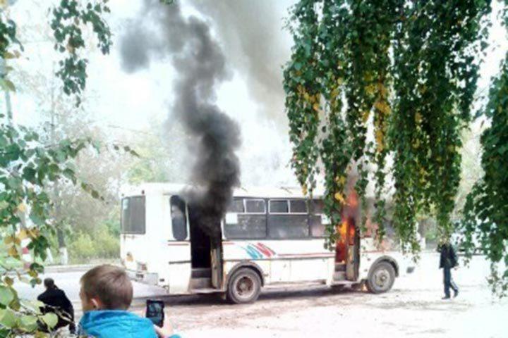 Следователи проверили информацию овозгорании автобуса вгороде Бор