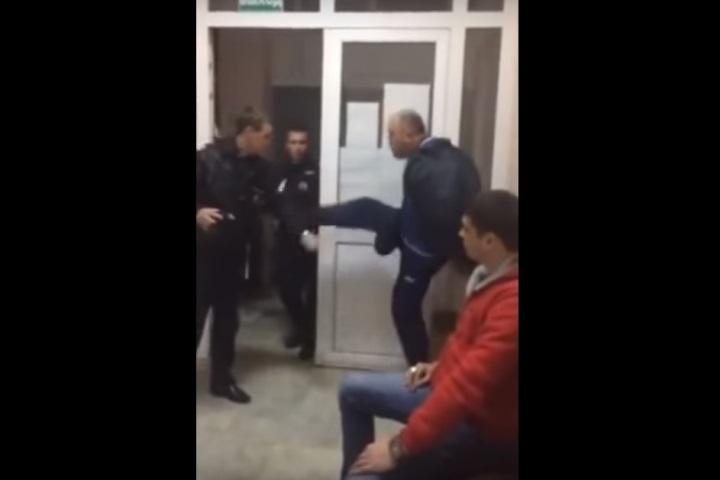 Скандальное видео дебоша краснодарского судьи набирает просмотры вYutube