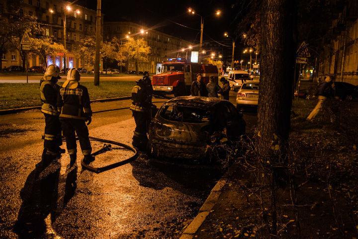 """С огнем справились за 20 минут. Фото: """"ДТП и ЧП"""" ВКонтакте"""