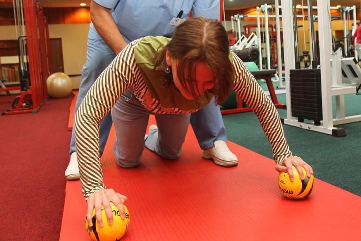 Полезен или вреден массаж и специальная гимнастика для спины, разбираемся в эфире Радио «Комсомольская правда»