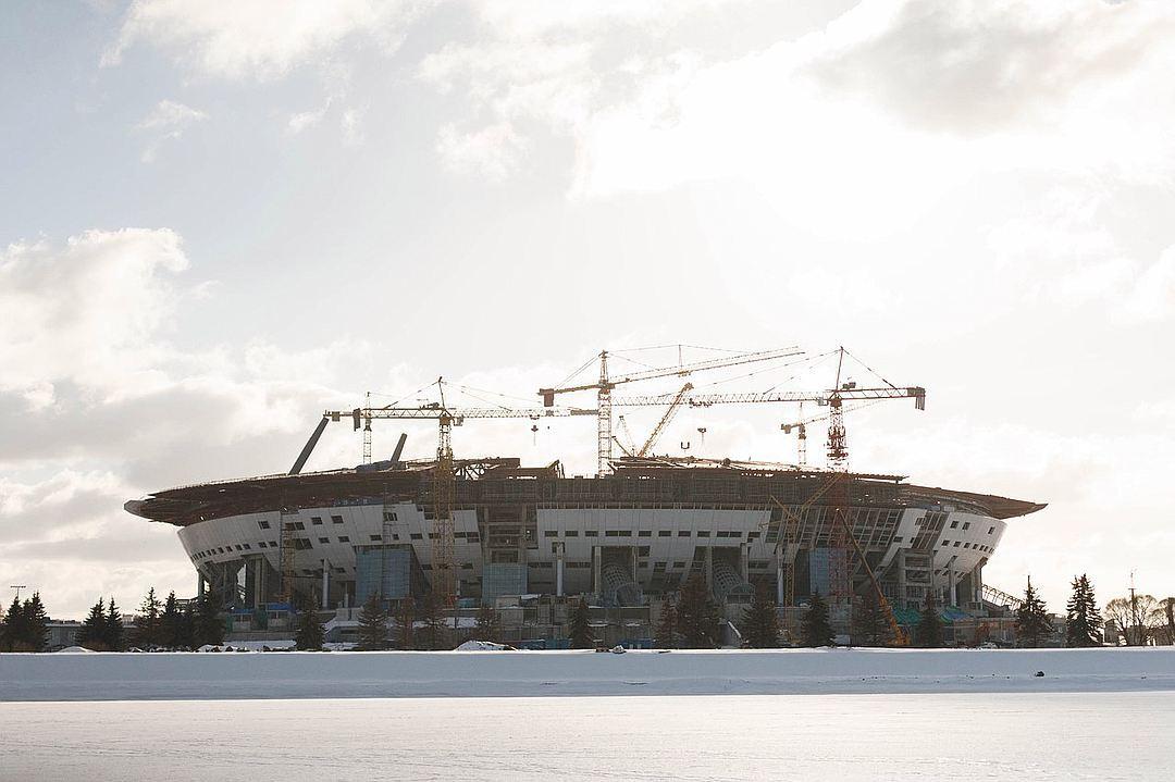 """Многострадальный стадион продолжает """"высасывать"""" деньги из города."""