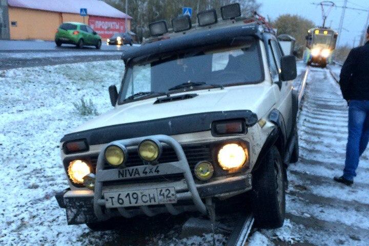 ВКемерове шофёр «Нивы» совершил ДТП и два раза попытался сбежать