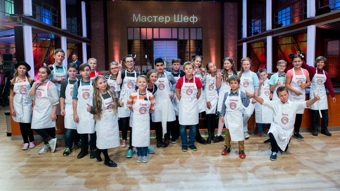 Из 24 участников на шоу четыре юных петербуржца.
