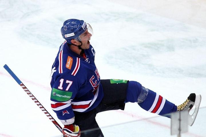 СКА одержал пятую победу подряд вчемпионате КХЛ, переиграв рижское «Динамо»