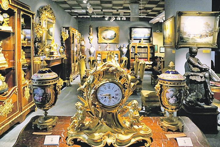 Поход на Антикварный салон сродни посещению музея. Не купить, так посмотреть! Фото: Пресс-служба Российского антикварного салона