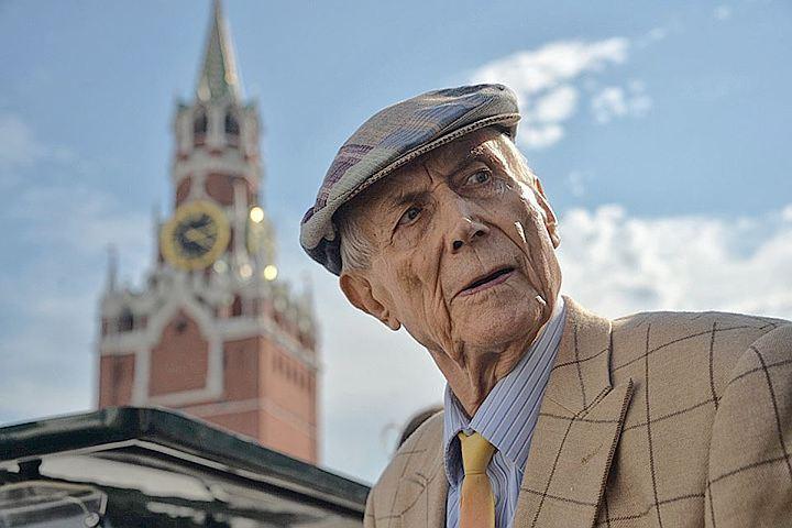Евгений Евтушенко на Красной площади
