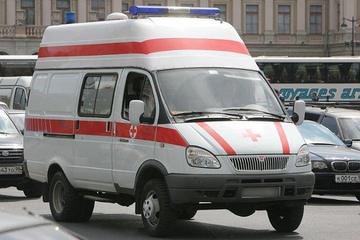 """В детской больнице спасают школьницу, упавшую с башни """"Красного треугольника"""""""