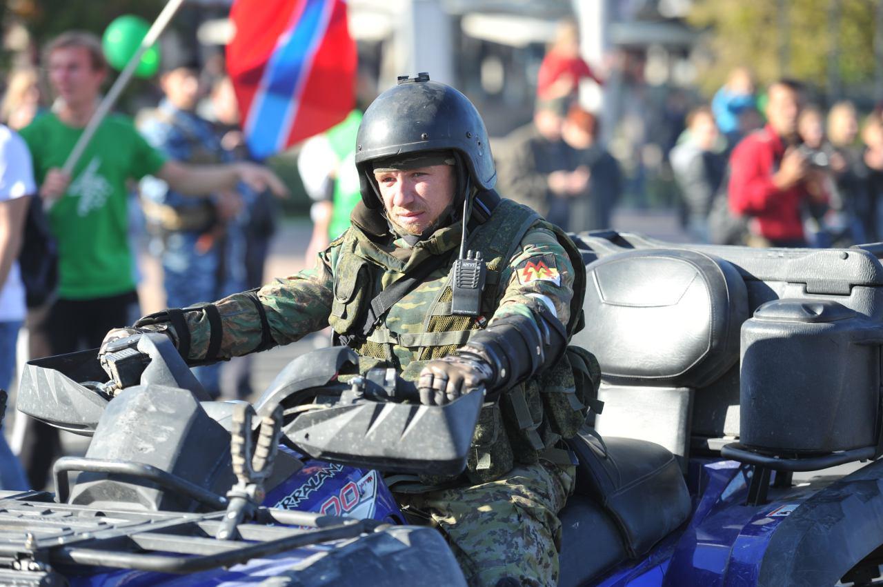 Ополченец Моторола участвовал в обороне Славянска, в осаде и штурме Донецкого аэропорта, а также в деле под Дебальцево