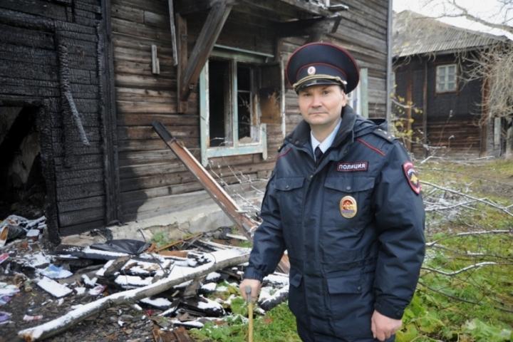 ВПрикамье наградили участкового, спасшего девочку напожаре