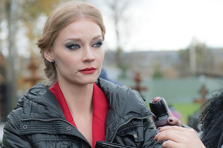 Светлана Ходченкова на съемочной площадке.
