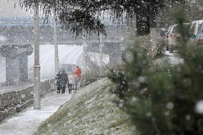 Метеорологический институт Финляндии сообщил о том, что на севере страны выпал первый снег.