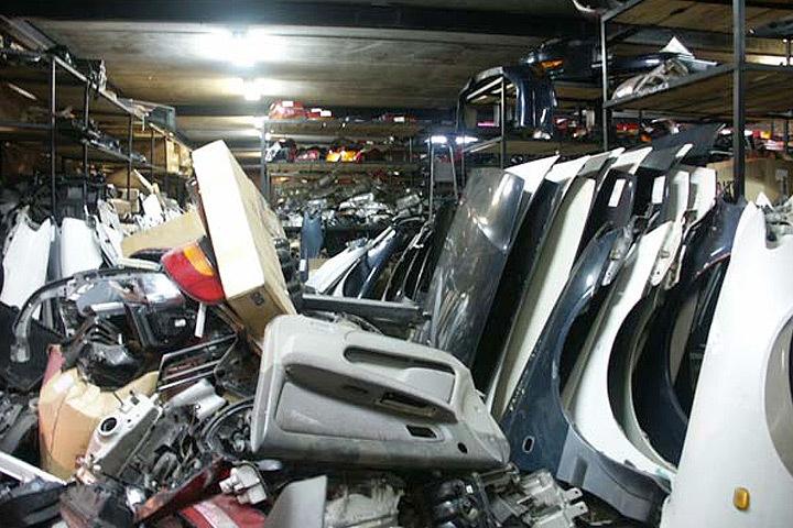 В литовском городе Каунас обнаружено место нелегальной разборки краденых автомобилей. Фото: с сайта Narod.ru