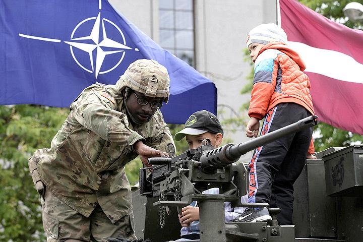 Натовские вояки недовольны отсутствием условий для занятий спортом на базах в Латвии.