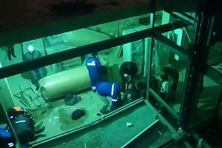 В коммерческом центре вСтаврополе упал лифт, есть пострадавшие