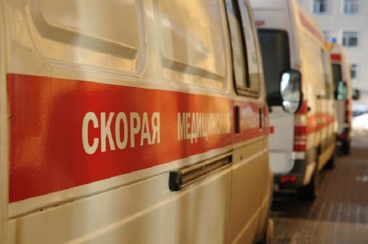 НаГорьковском шоссе вКазани столкнулись автобус идве иномарки