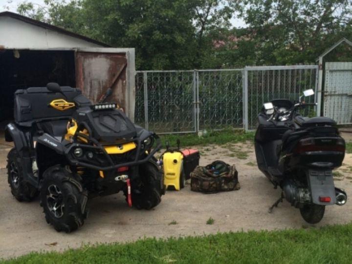 Воронежец наавтомобиле счужими номерами похитил снегоболотоход иводный мотоцикл