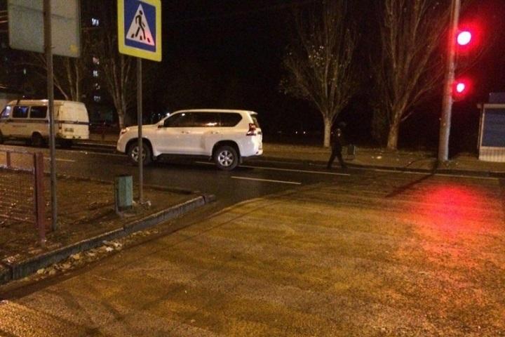 Наюге Волгограда шофёр джипа сбил 2-х девушек на«зебре»