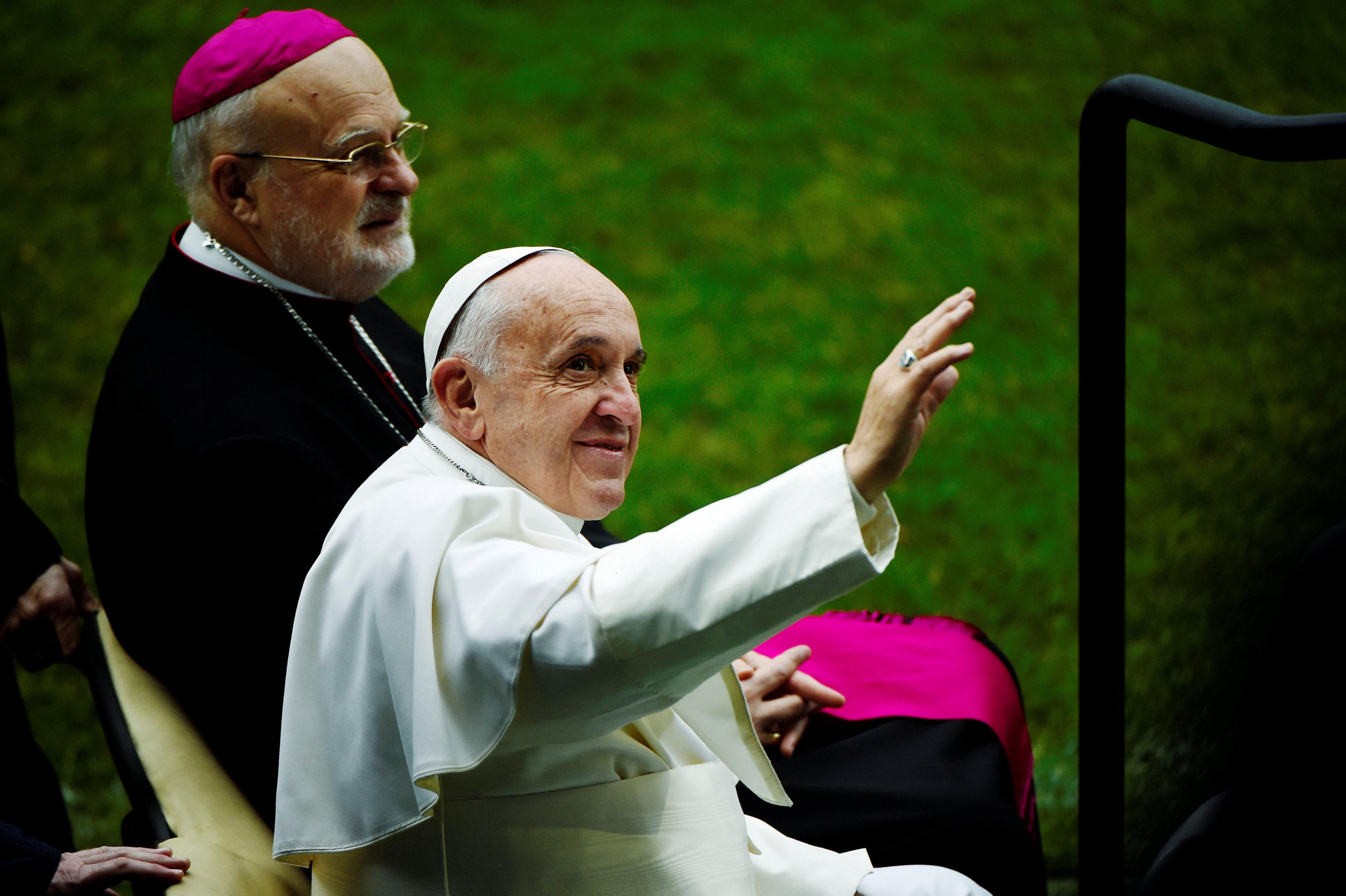 Папа римский отверг возможность посвящения всан женщин