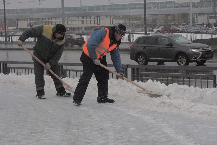 280 тонн снега было вывезено сулиц Иркутска за минувшие сутки