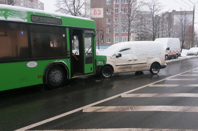 Водитель автобуса протаранил семь машин в Минске. ГАИ РУВД Фрунзенского района