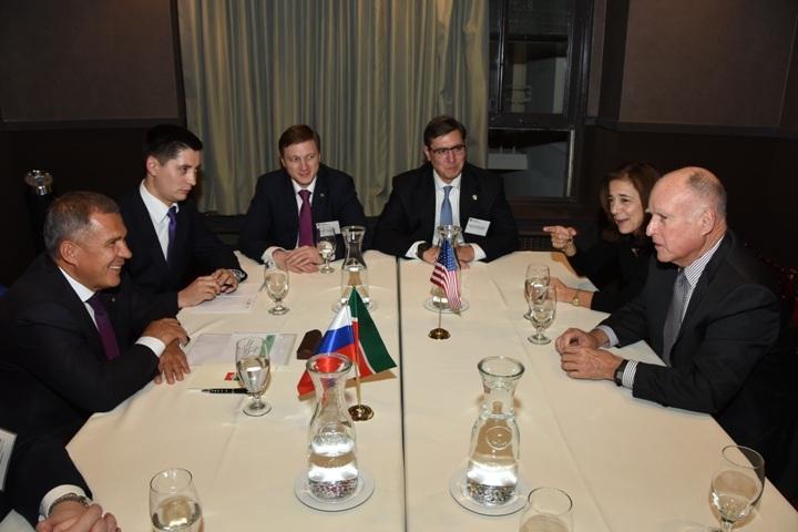 Рустам Минниханов прибыл срабочим визитом вСША