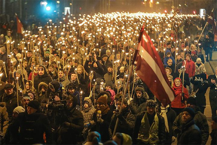 ВЛатвии проверят сюжет НТВ офакельном шествии наДень Лачплесиса