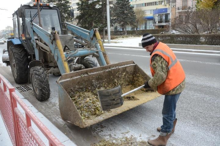 308 тонн реагента дорожники рассыпали ночью нагородских магистралях вВолгограде
