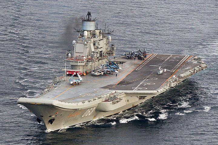 Российские истребители ВМФ наносят удары по террористам в Сирии