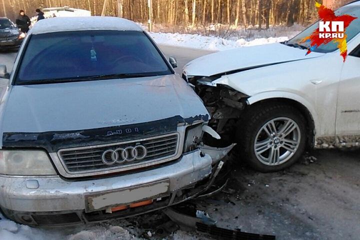 ВИжевске БМВ сбила двоих детей истолкнулась совстречным автомобилем