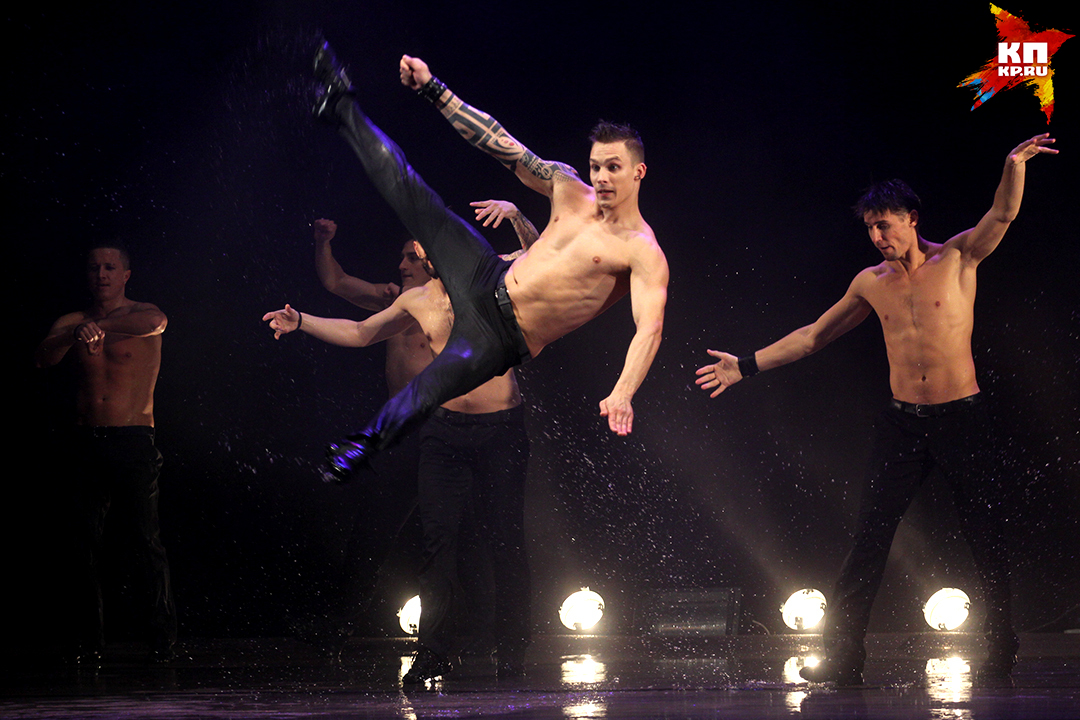 В санкт-петербургском театре танца «Искушение» 10 профессиональных исполнителей.