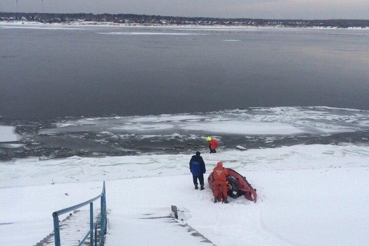 Группа спасателей направилась на поиск рыбака в районе Перми I. Фото: пресс-службы пермской городской службы спасения