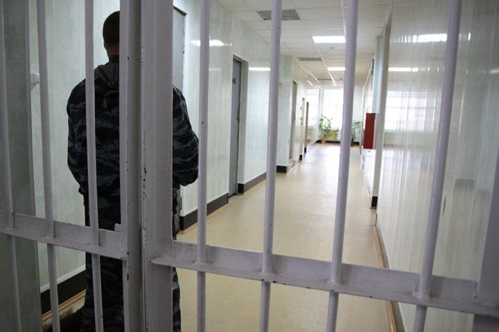 ВАнгарске педофилу, изнасиловавшему дочь, дали 10 лет колонии строгого режима