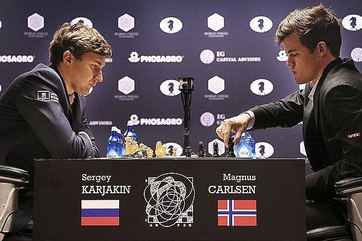 Российский гроссмейстер Сергей Карякин и действующий чемпион мира норвежец Магнус Карлсен.
