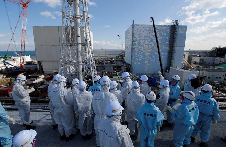 """Компания-оператор АЭС """"Фукусима-2"""" заверяет, что нет угрозы осложнений"""