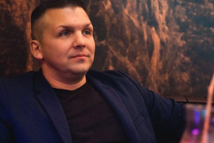 Вечеринка в баре была по случаю дня рождения хозяина заведения Алексея Т. Сегодня утром мужчина скончался.