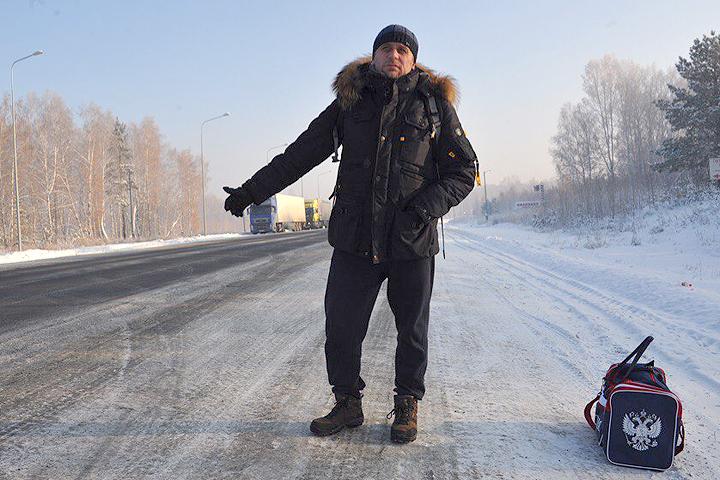 """Путешествующие по России на электричках журналисты """"КП"""" были вынуждены воспользоваться автостопом."""