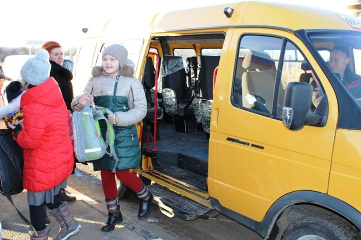 Из 51 ученика Глебовской школы 40 живут в соседних селах.