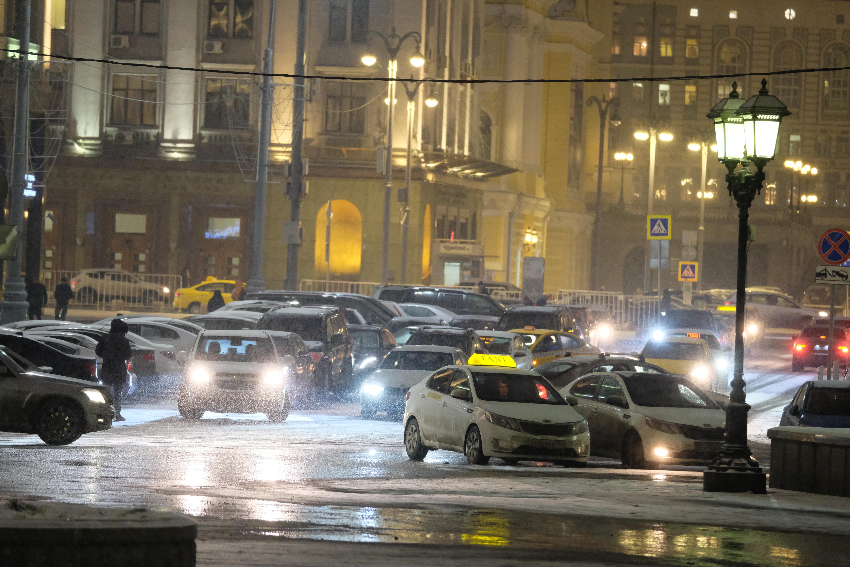 Точечное введение новых зон платной парковки в столице планируется в тех местах, где наблюдается сложная транспортная обстановка.