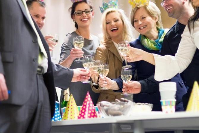 Новогодняя ночь в кафе и ресторанах Минска стоит от 100 рублей