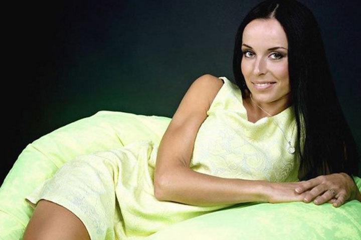 Дарья Юркевич: снайпер, мастер по маникюру и миниатюрная красавица. Фото: соцсети.